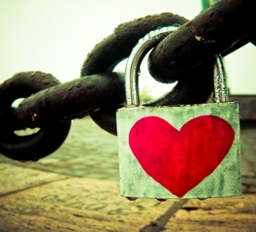 hidden treasure inside lock of love